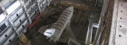 Navettes spatiales abandonnées dans un hangar du cosmodrome de Baikonour